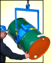 Below hook drum handler to lift and manually pour drum within reach